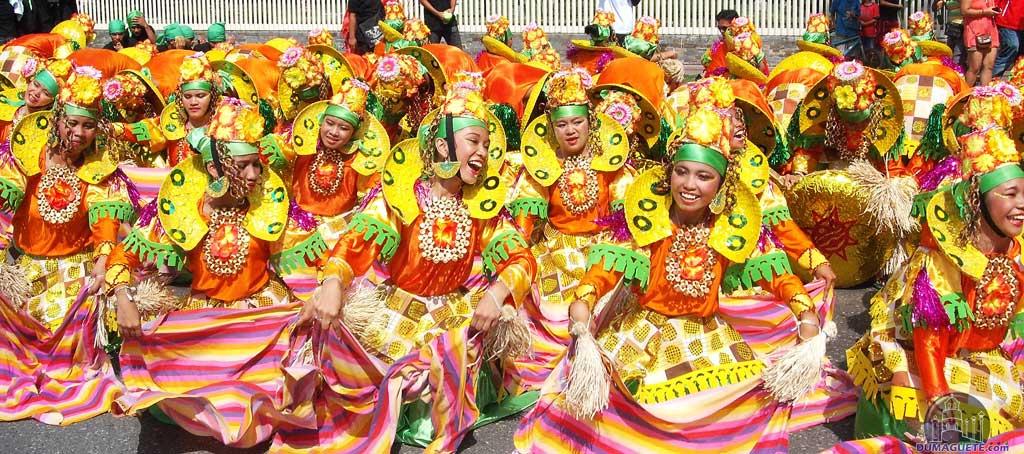 Buglasan 2013 Street  Dance Parade