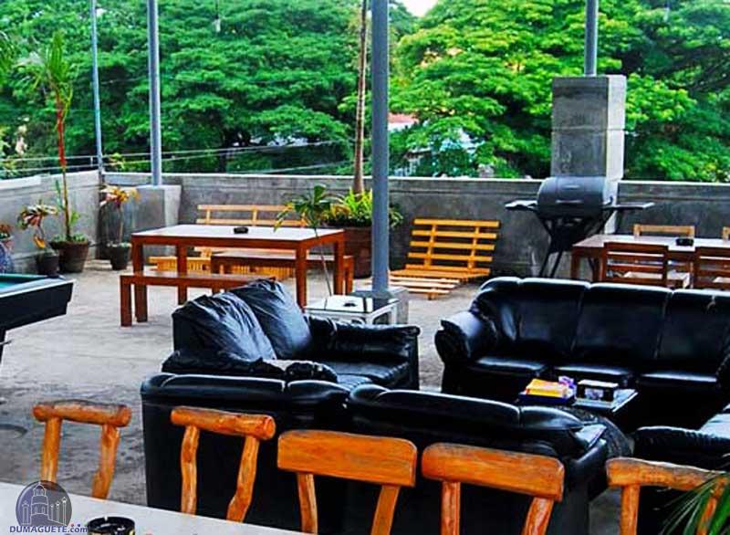 Harolds Mansion Dumaguete rooftop