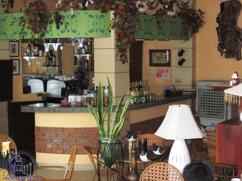 RM guest house Bar