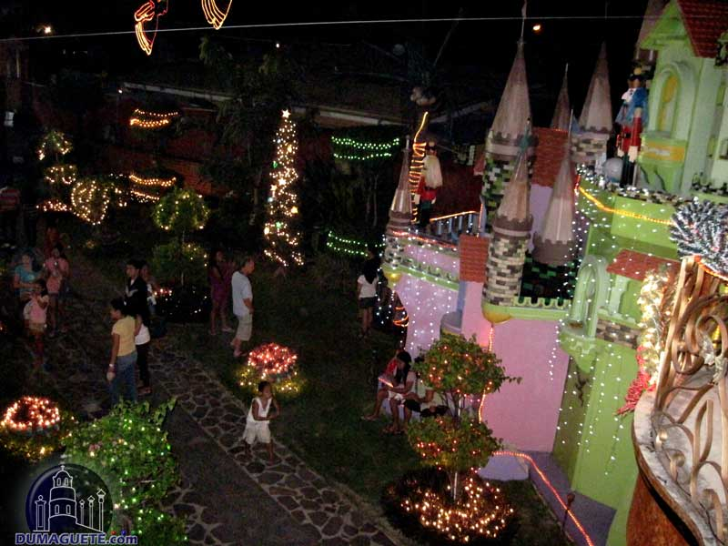 Christmas House in Dumaguete Piapi