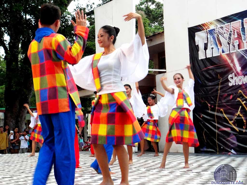 Folk Dance at Tayada sa Plaza