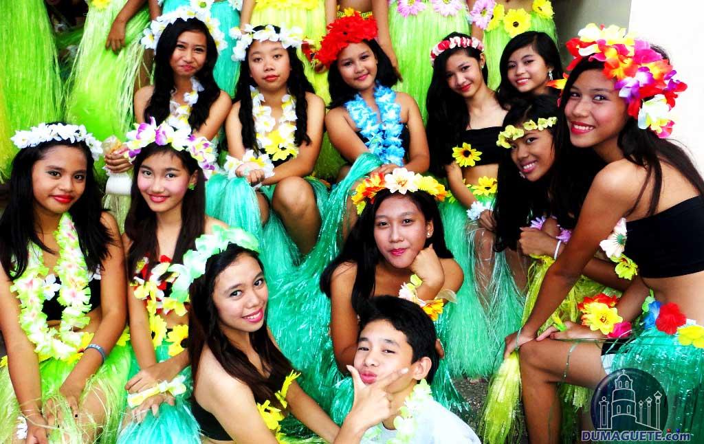 Tayada sa Plaza Dumaguete  Hawain Dance