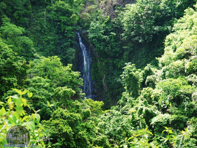 Luparan Falls in Tanjay