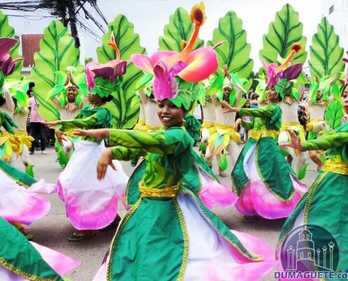 buglasan 2013 strret dance parade