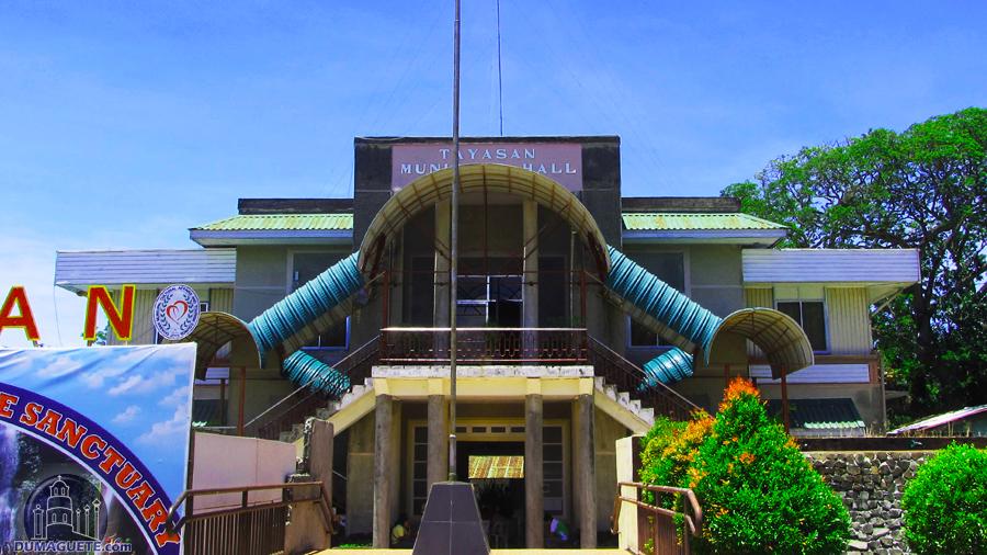 Tayasan Municipal Hall Negros Oriental