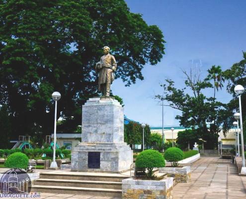 Rizal Park Bais City