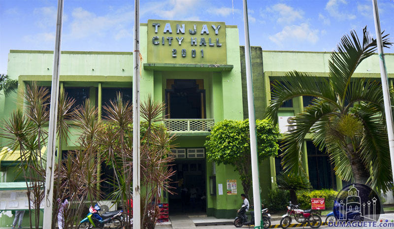 Tanjay City Hall