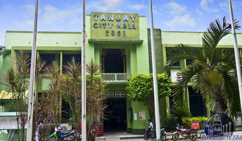 Tanjay City Hall