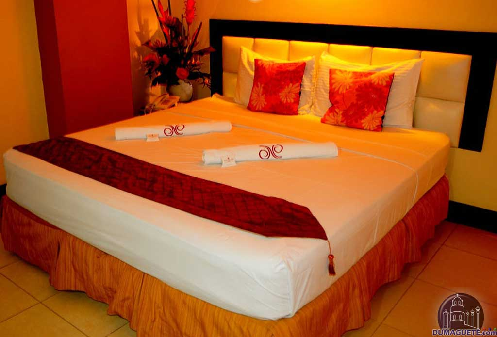 Hotel Nicanor bed room Dumaguete