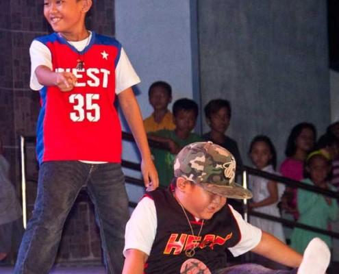 Buglasan-2014---Sidlakan-Dance-Company-09