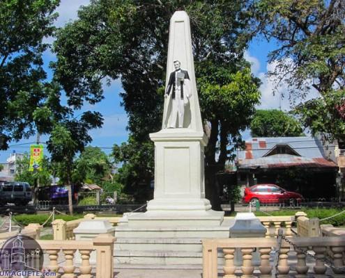 Tanjay City - Rizal Park