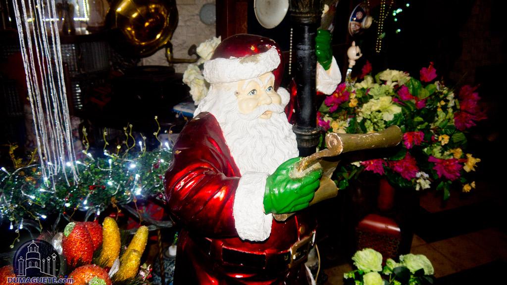 Dr. Absin Christmas House Piapi