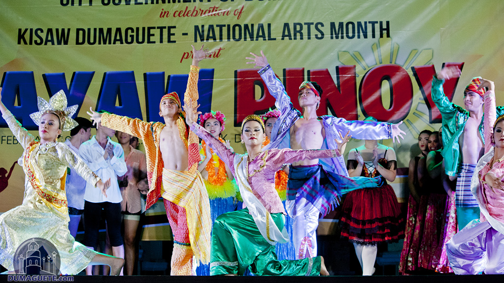 sayaw pinoy 2013 Sayaw pinoy: the ncca national dance competition the national committee on dance of the national commission for culture and the arts organized the sayaw pinoy: the ncca national dance competition as part of its efforts to promote dance in its various forms – folkdance, ballet, modern/ contemporary, hip hop and dance sport/ ballroom.