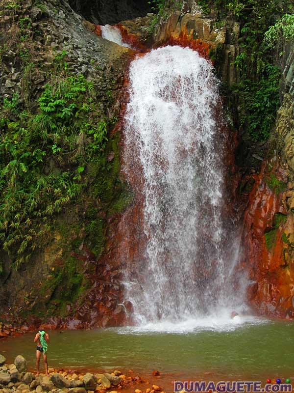 Pulangbato-Falls-Valencia