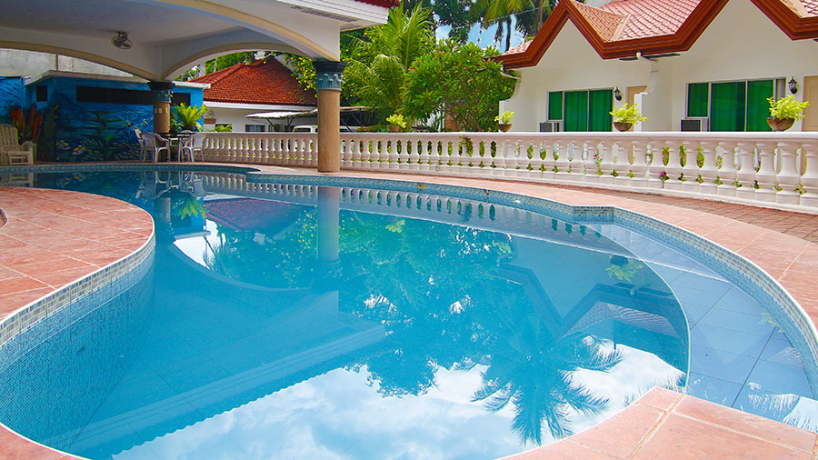 Gracey Dive Resort and Restaurant - swimming pool