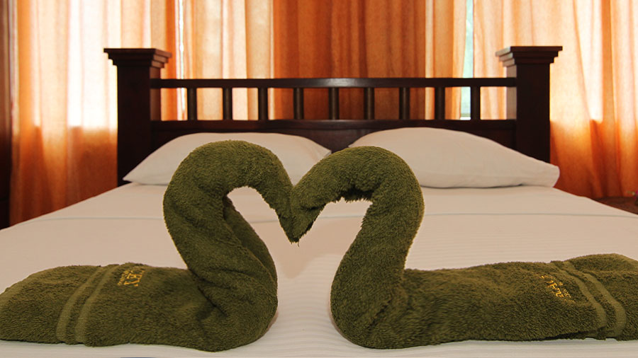 Matrimonial Deluxe Room - Gracey Dive Resort and Restaurant