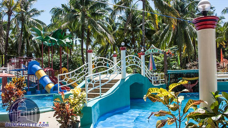 Bayawan City -Aqua Fun Resort - Pool View
