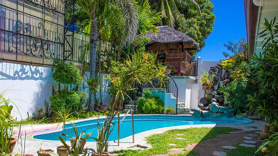 Dumaguete City - Ducky's Garden Guesthouse