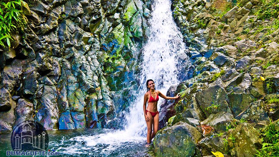 Pulang Bato Falls-Valencia-