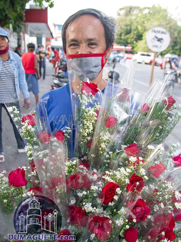 Flowershop in Dumaguete - Rose Vendor